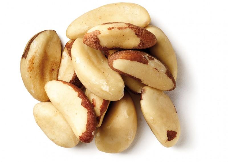 organic raw brazil nuts