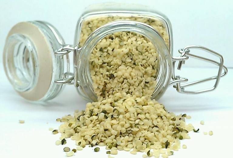 organic raw hemp_seeds_hulled